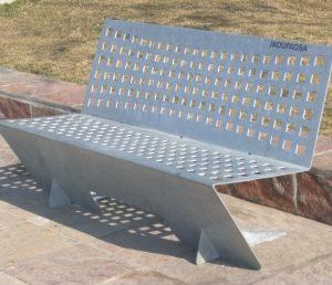 Banco de acero galvanizado perforado para plaza con respaldo