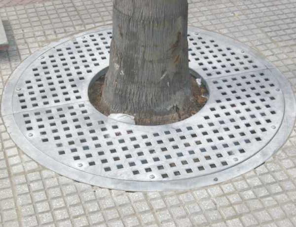 Protector de árboles de acero galvanizado fijo